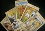 12 Cung hoàng đạo và những lá bài tarot.