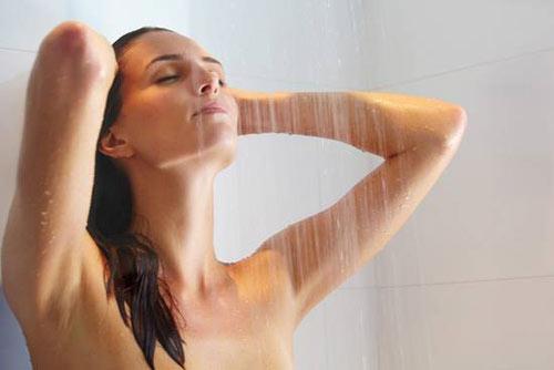 Nằm mơ thấy mình đang tắm