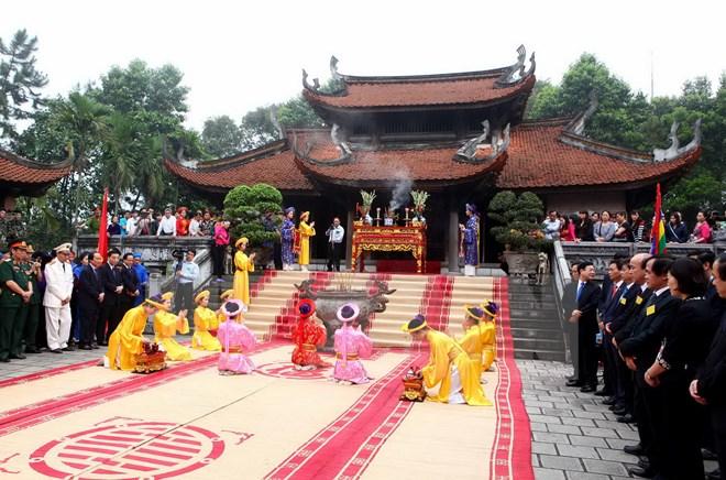 5-ngay-le-hoi-tai-gio-to-hung-vuong-2016