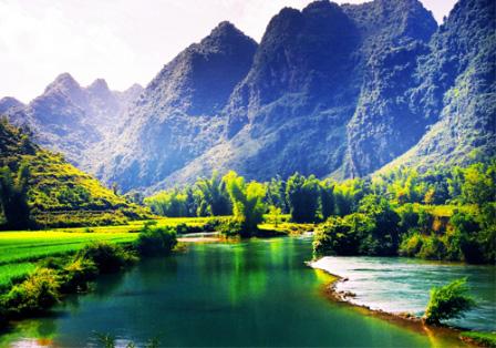 Giải mộng giấc mơ thấy sông núi