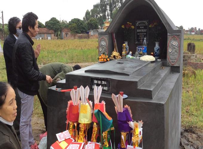 Văn khấn lễ tạ mộ cuối năm đầy đủ và chuẩn xác nhất