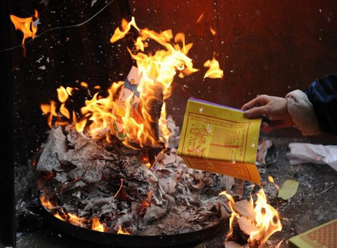 Văn khấn mùng 3 Tết và sắm lễ theo chuẩn phong tục tập quán người Việt