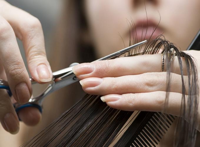 Mơ thấy cắt tóc dự báo thông điệp gì? Những con số liên quan